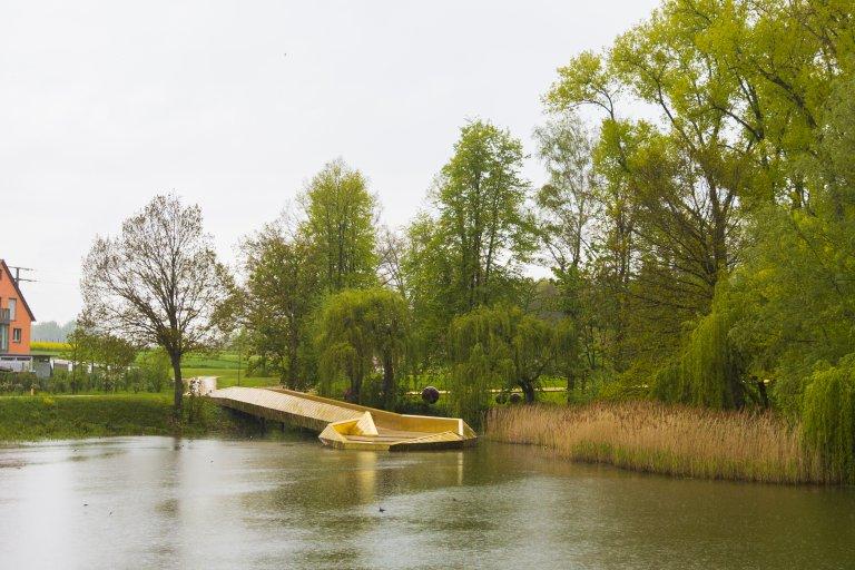 Goldener Weihersteig im Klingenweiherpark Gartenschau 2019