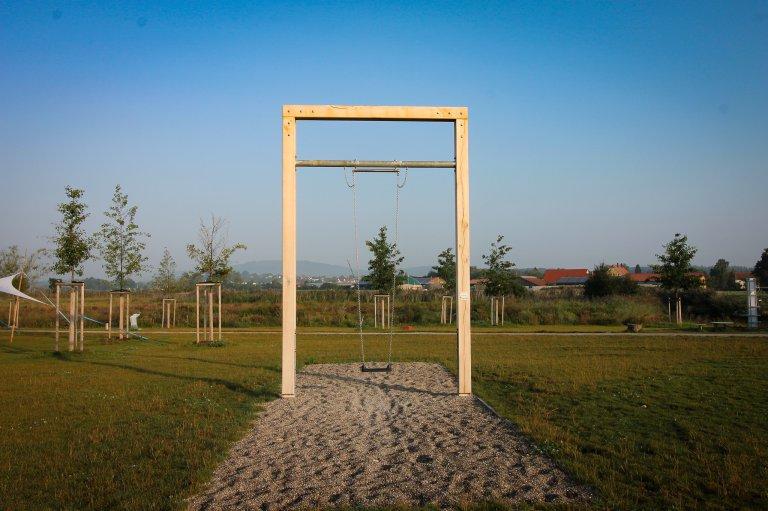 Schaukeln Wörnitzpark (c) Laureen Eggmann